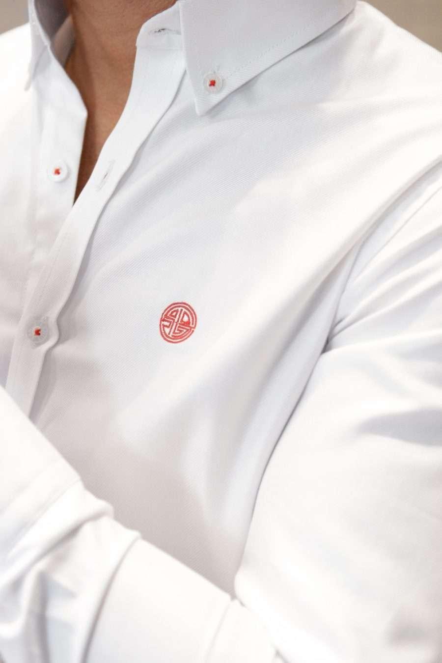 camisa-blanca-closeup