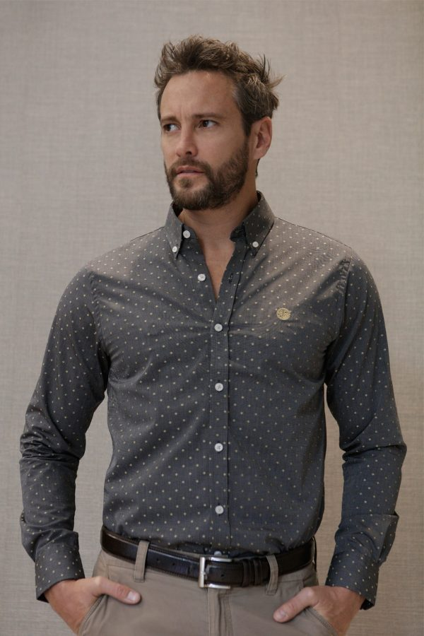 camisa-gris-estructura-frente