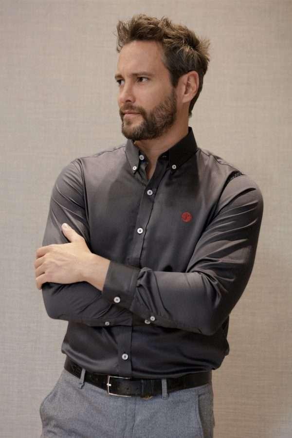 camisa-gris-oscuro-frente