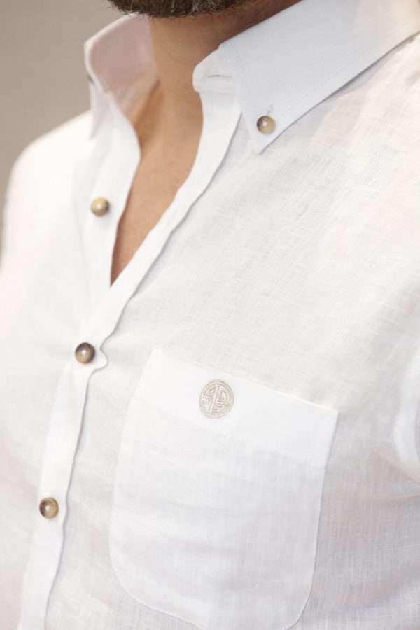 camisa-lino-blanca-closeup